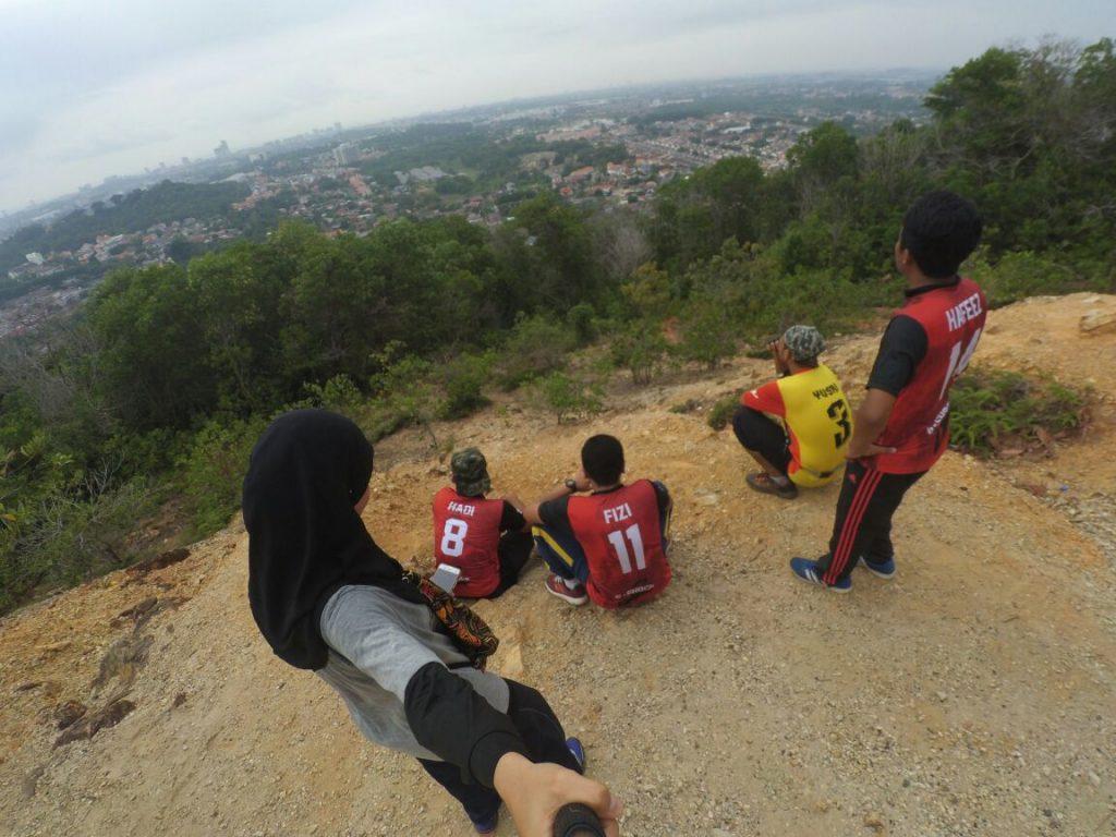 pemandangan-bukit-beruang