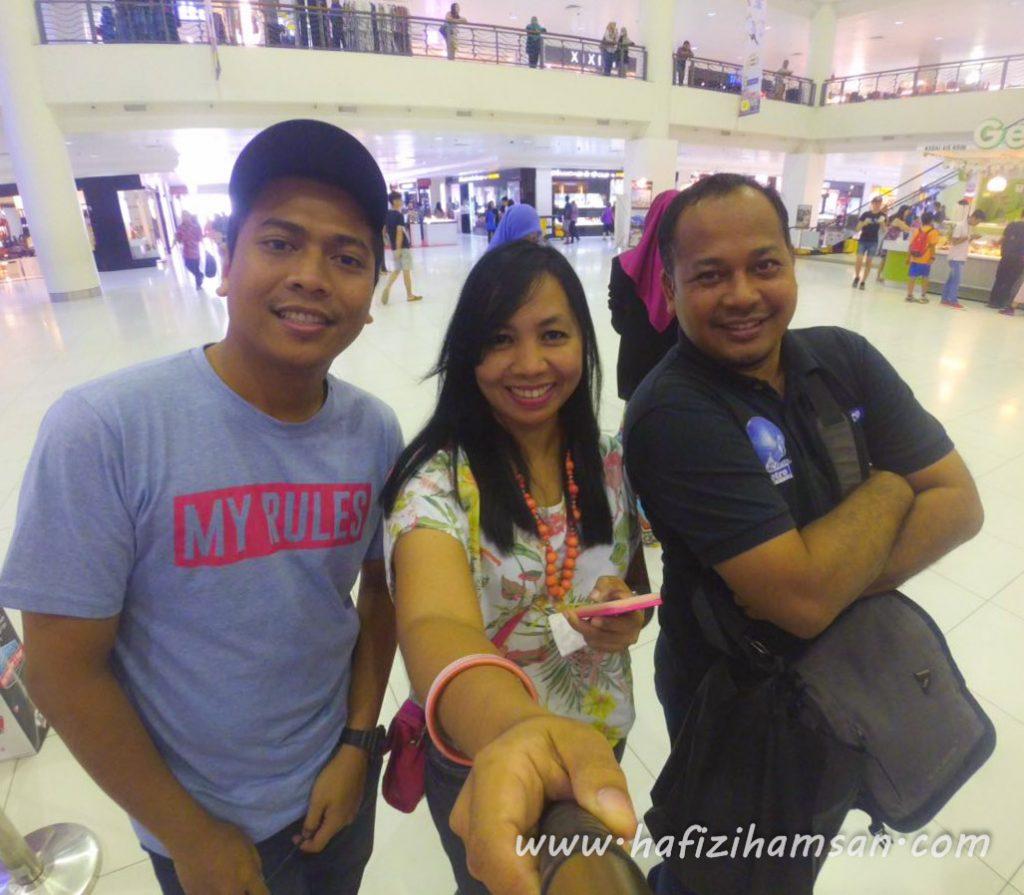 Bersama blogger julia dan Abam Harian metro.